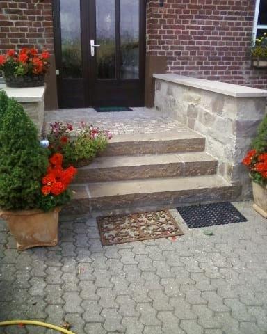 Eingangsbereich außen gestalten treppe  Haustür Treppe Eingansbereich Vorgarten Treppenstein