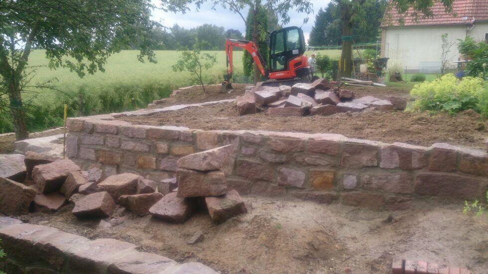 Mauer Bruchstein Sandstein Gartenbau Gartengestaltung